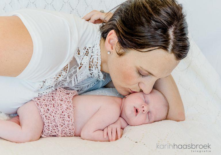 karinhaasbroek.com_Morkel_Jeanne_Newborn_Worchester_25-2