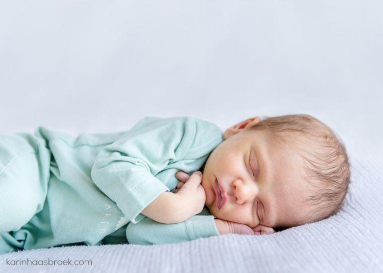 1_karinhaasbroek.com_Julia Skea_Newborn Shoot_Stellenbosch__DSC6905